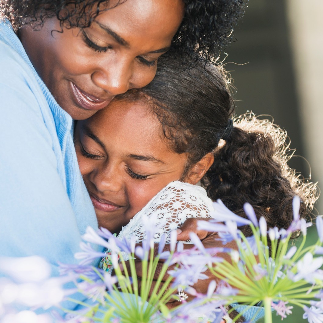 mother daughter hug e1459885322682 - Hospice, Palliative and Grief Care